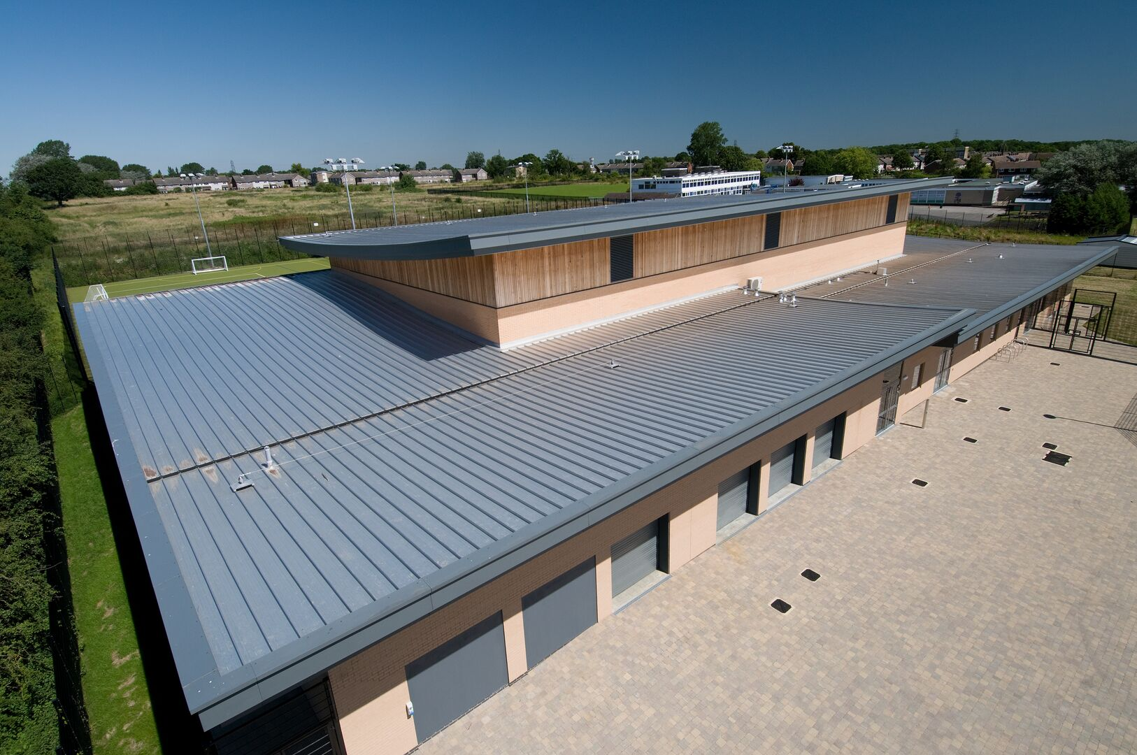 steel profiles used on a school roof