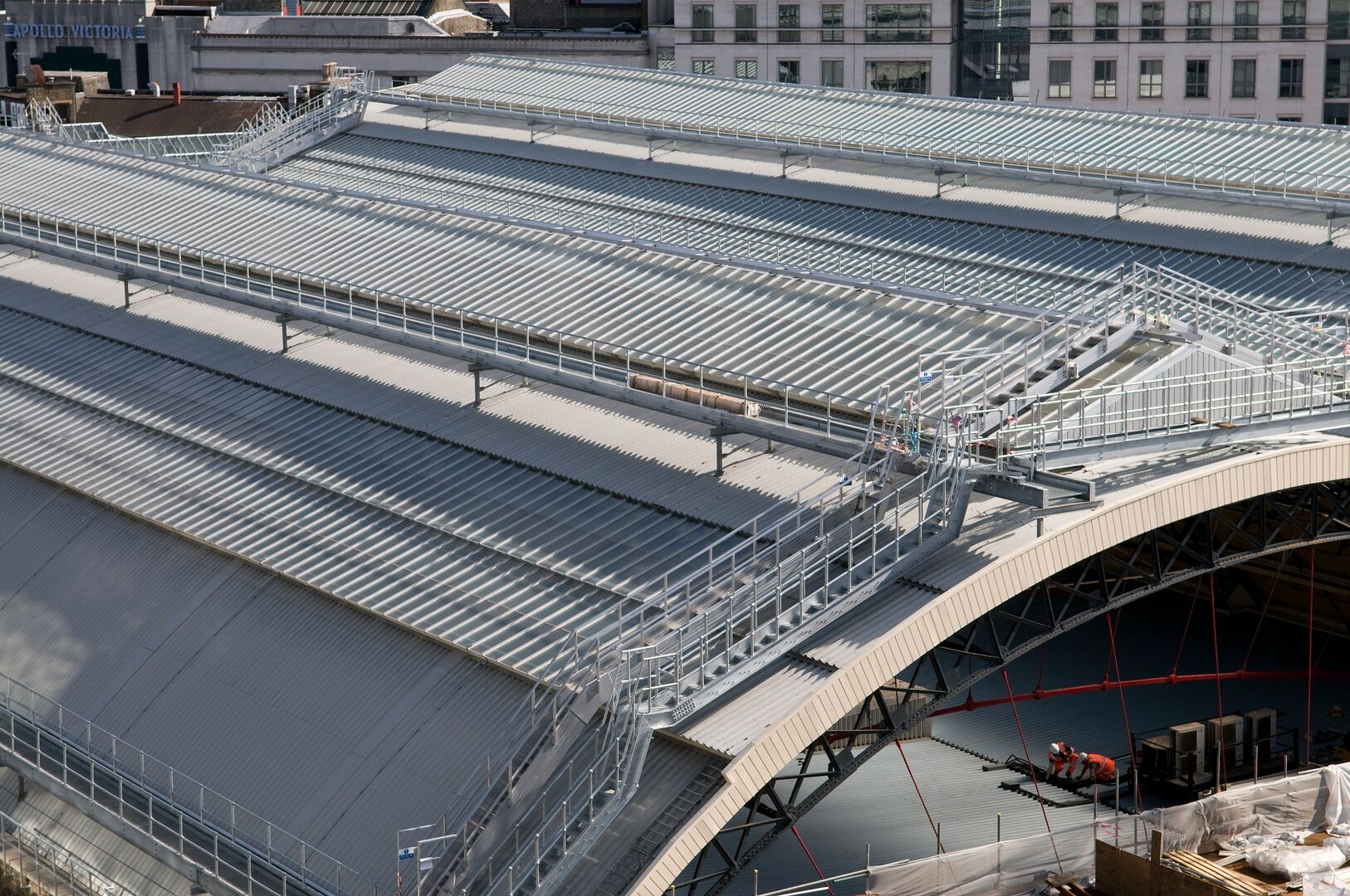 London Victoria Station using Tata Steel Trisobuild curved roof cladding